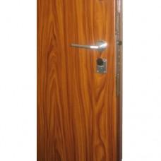 Metāla durvis ar slēdzeni-zirneklis SECUREMME