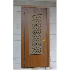 Metāla durvis ar logu un režģu mājai